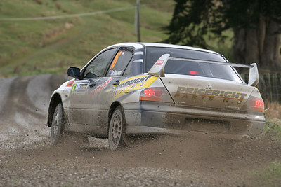 Lee-Anne Barns, Mitsubishi Lancer EVO 8.