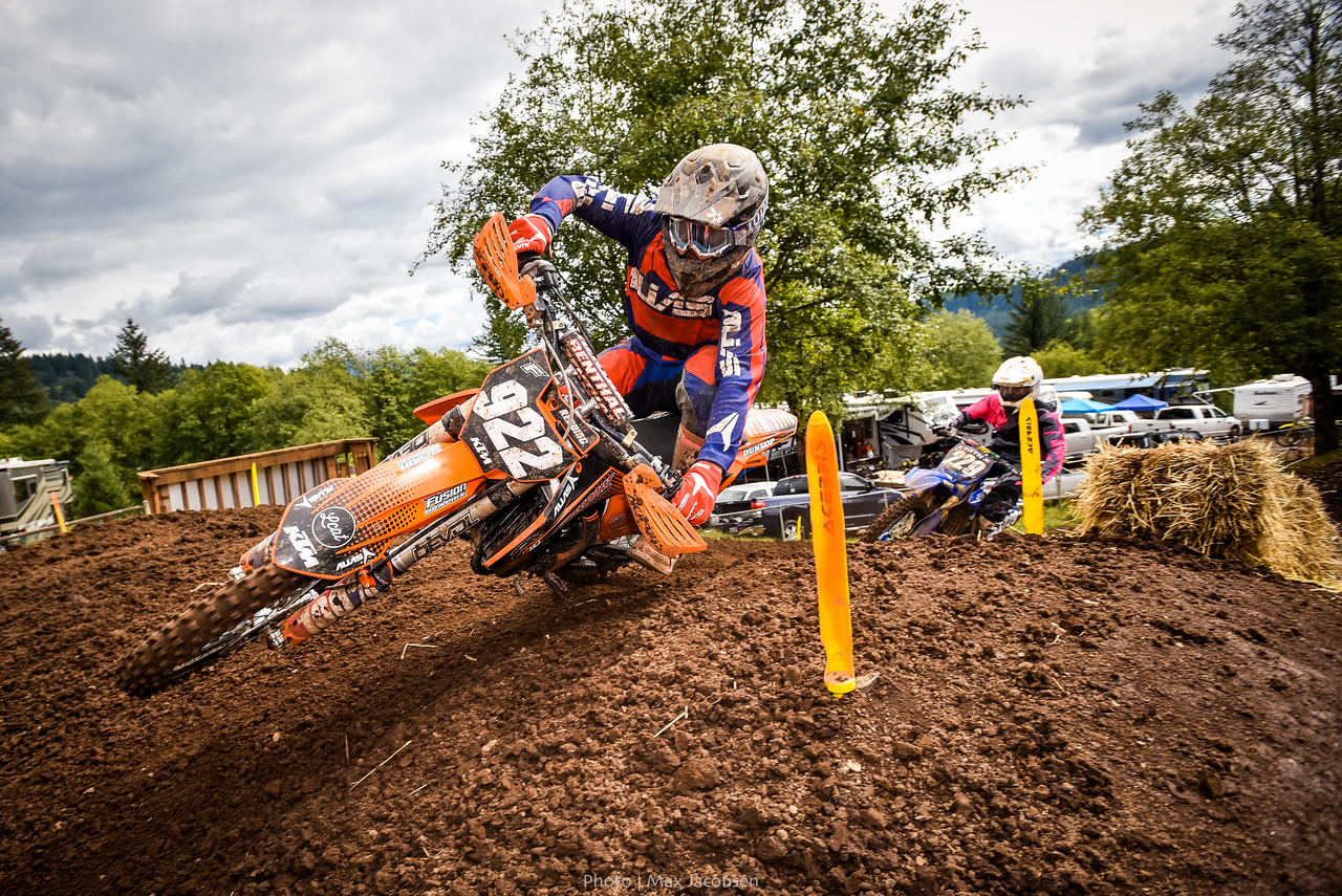 Zach Redding rode great in the B classes all weekend.