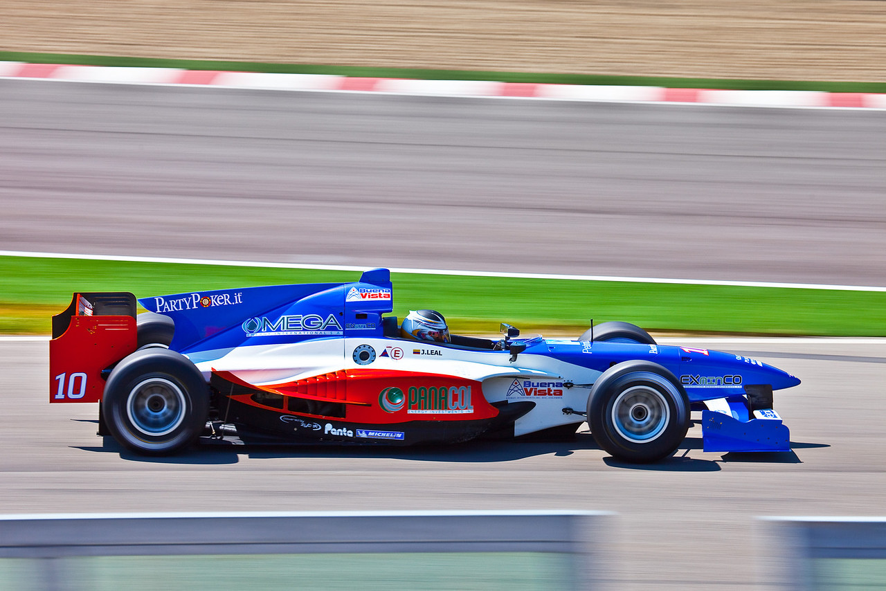 Julian Leal, Auto GP