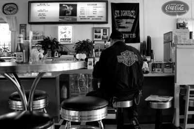 St. Ignace | Breakfast in the Diner | Mackinac County