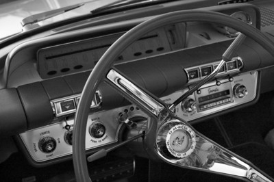 Woodward Avenue | Dashboard of a 1960 Buick LeSabre | Oakland County