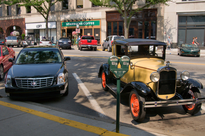 <br> <br> Street Scene of Birmingham in Michigan <br> <br>