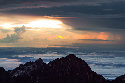 View from the summit of Mount Kinabalu (4,095 m) Borneo