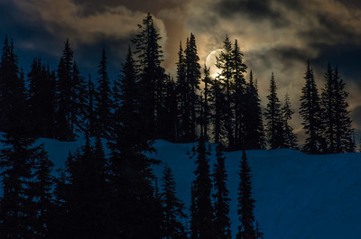 Full Moon rising at Tipsoo Lake