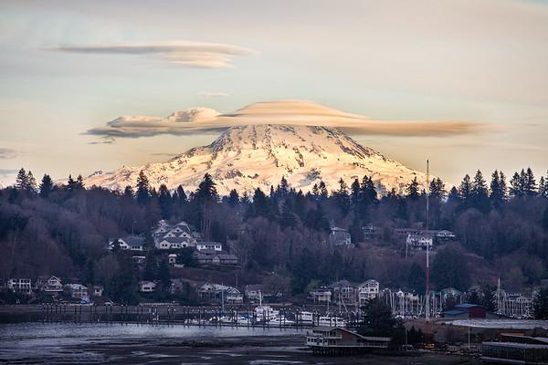 Mount Rainier with Lenticular Cloud