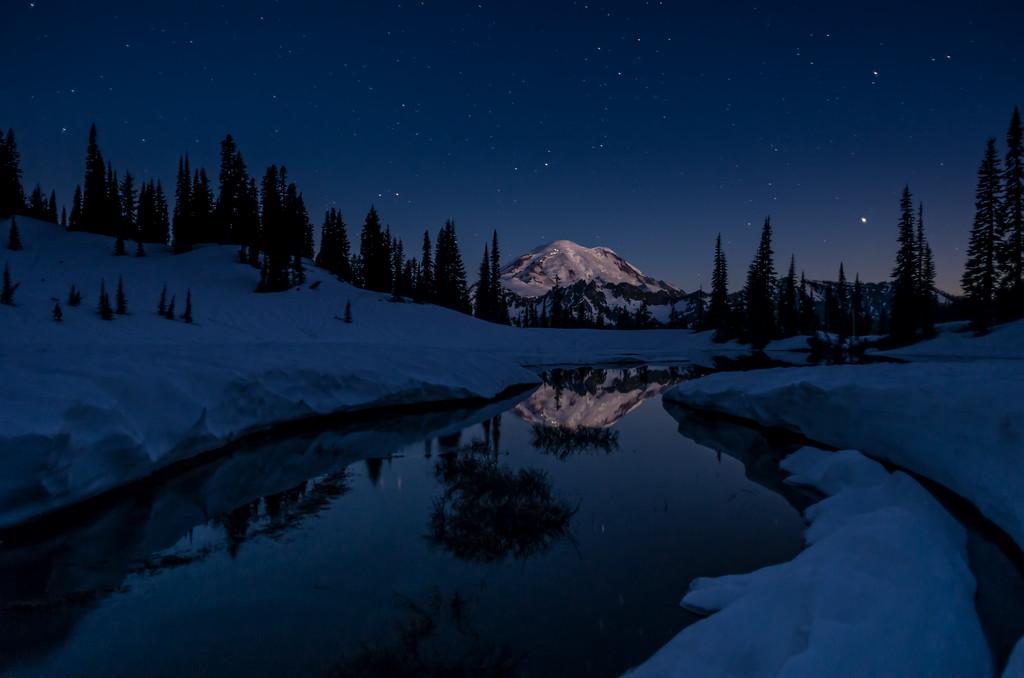 Tipsoo Lake night