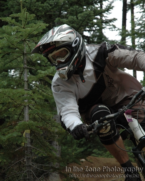 Todd Glasgow carving berm at Willamette Pass (2006)