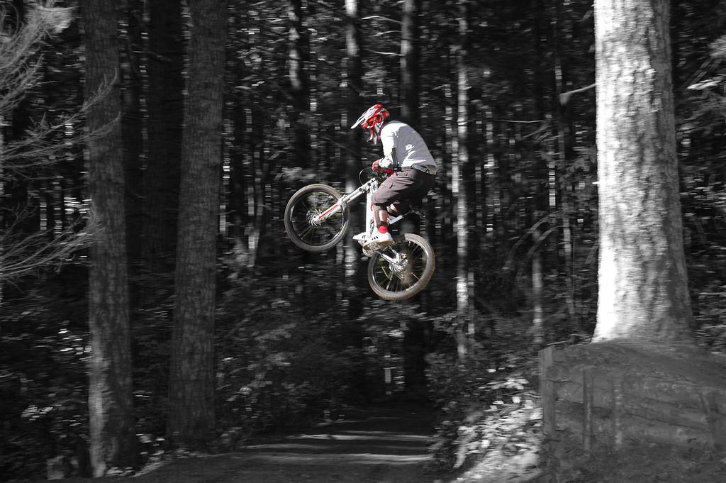 (BRMBA) Hollis Brake flying over road gap #1 on Granny's Kitchen (October 2006)