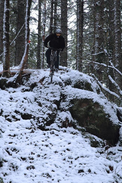 (BRMBA) Dan Shell dropping skull rock drop in the snow (January 2007)