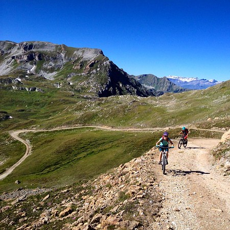 'Enjoying' the final climb with @julie_outdoor @mbonells