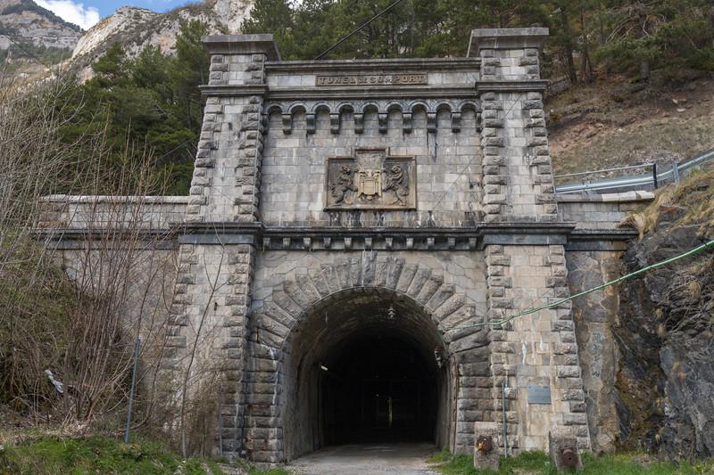 Túnel internacional del ferrocarril en Canfranc