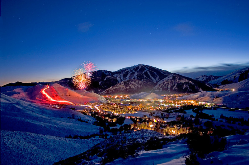 Dollar and Baldy Mountain celebrate the season with Fireworks and a Torchlight Parade