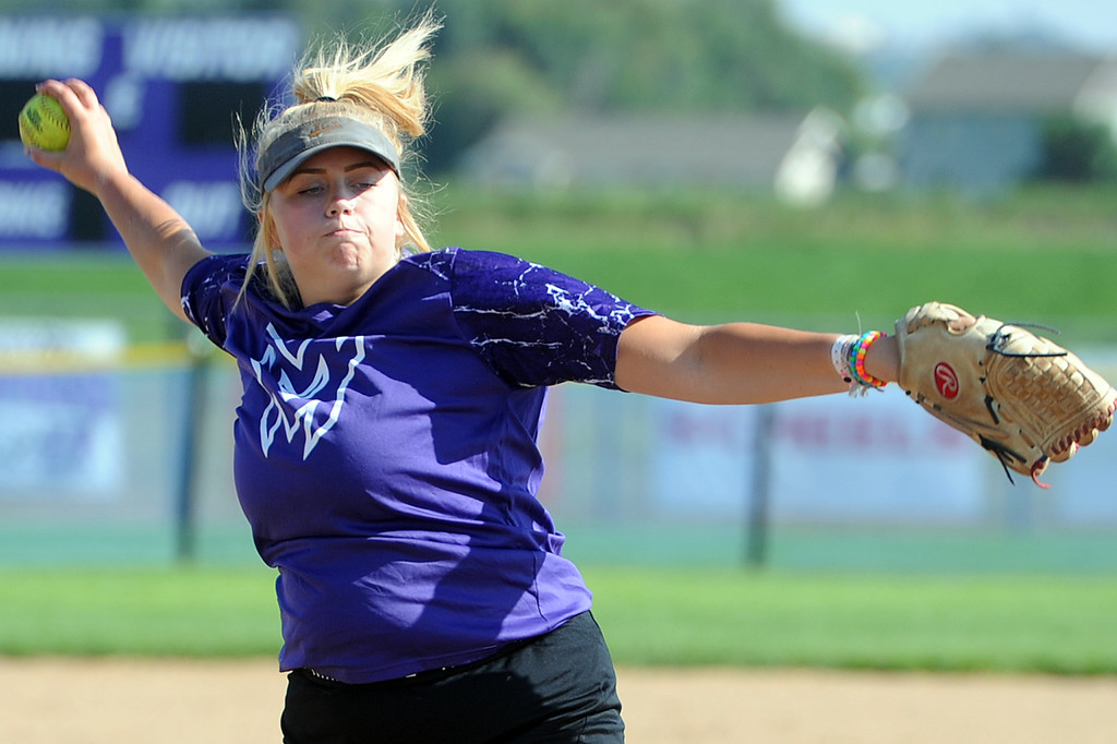 . Mountain View sophomore Bailey Carlson pitches during a practice Friday, August 10, 2018 at Mountain View High School in Loveland, Colorado. (Sean Star/Loveland Reporter-Herald)