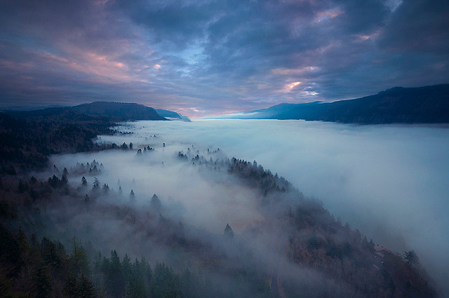 Foggy sunrise - Columbia River Gorge