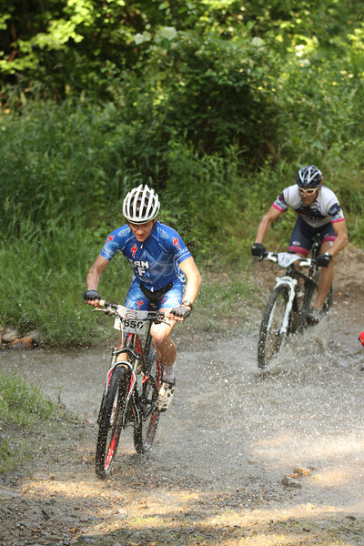 TeamCF racer Kyle Miller and BikeLine racer making waves in the CAT1 event...  (copywrite PJFreemanPhotography)