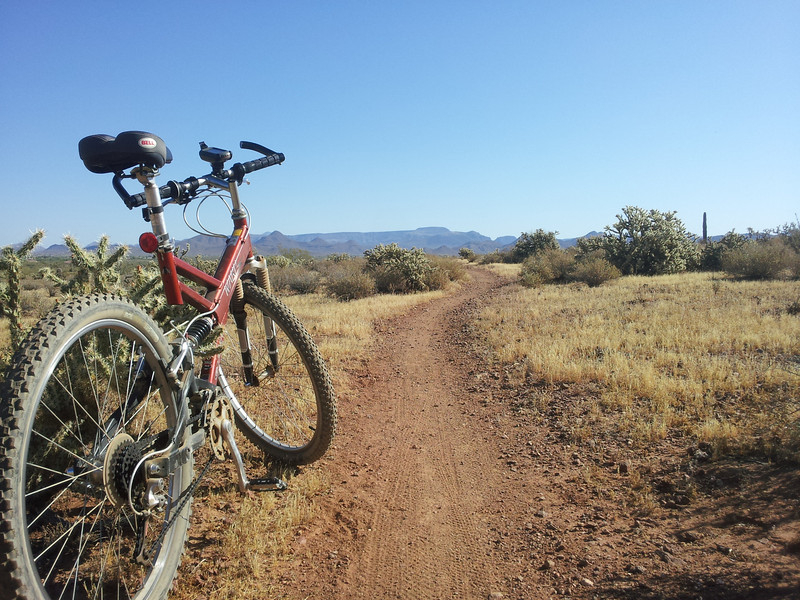 Mountain bike ride in the northern Phoenix Sonoran Preserve