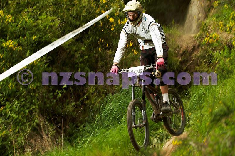 20101031_103947_NZSN2772