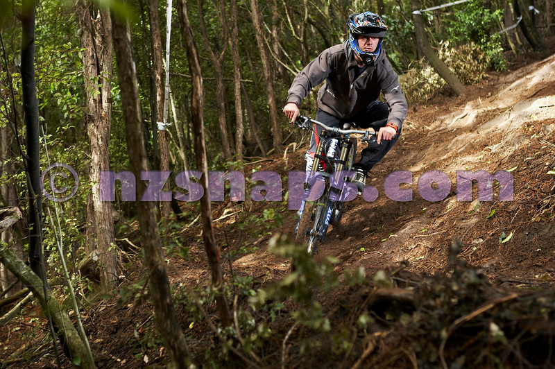 20101106_162020_NZSN3469