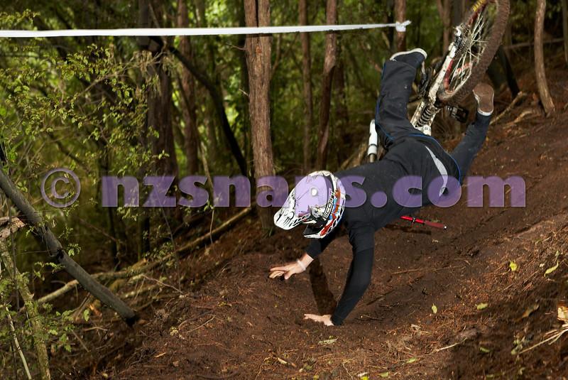 20101106_164850_NZSN3547