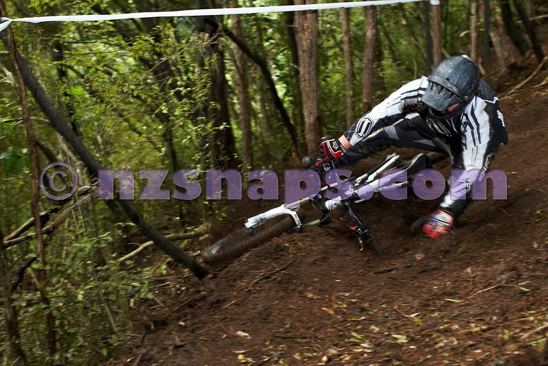 20101106_170537_NZSN3604