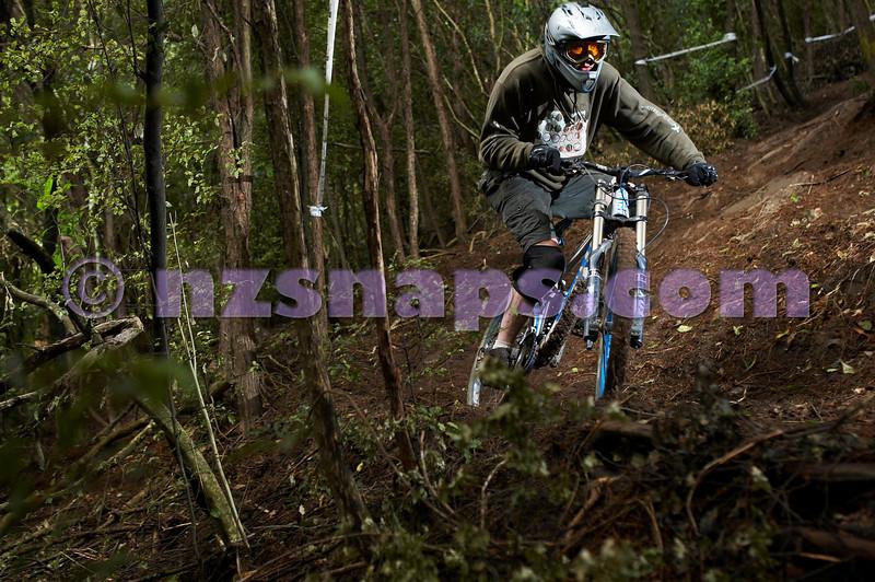 20101106_162232_NZSN3475