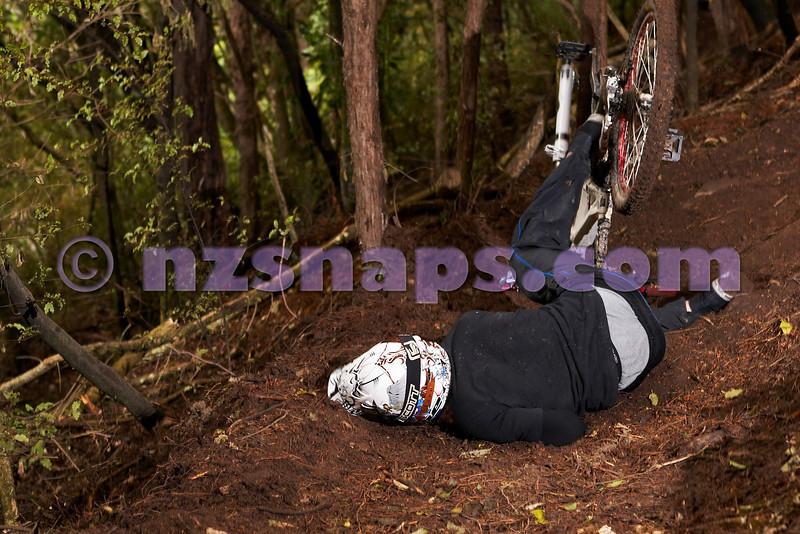20101106_164850_NZSN3548