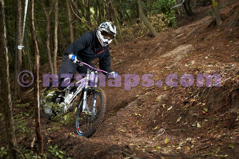 20101106_163750_NZSN3521