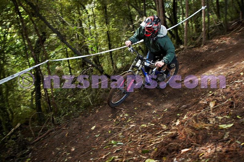 20101106_155143_NZSN3430