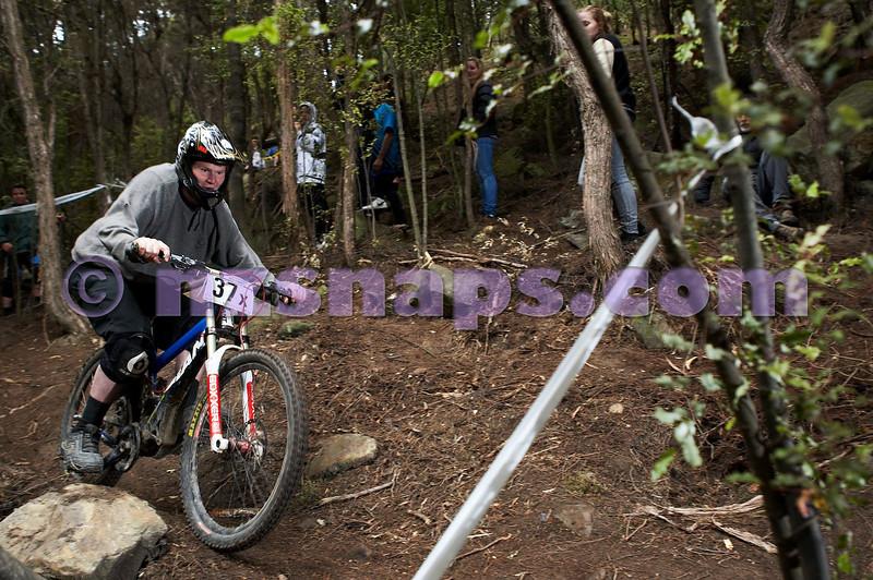 20101107_150236_NZSN4079