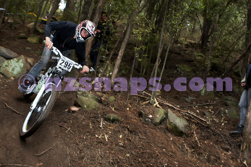 20101107_143356_NZSN4002