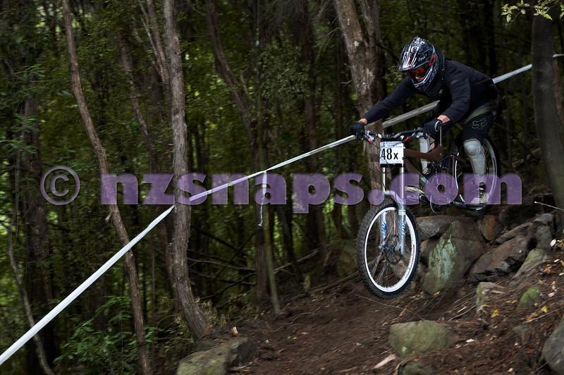 20101107_095710_NZSN3684