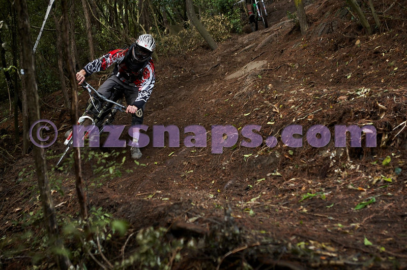 20101106_160157_NZSN3436