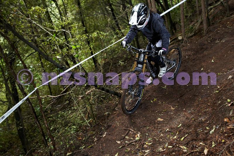 20101106_155024_NZSN3419