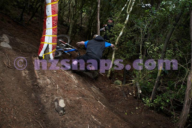 20101106_172845_NZSN3633
