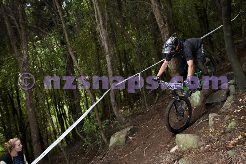 20101107_111409_NZSN3844
