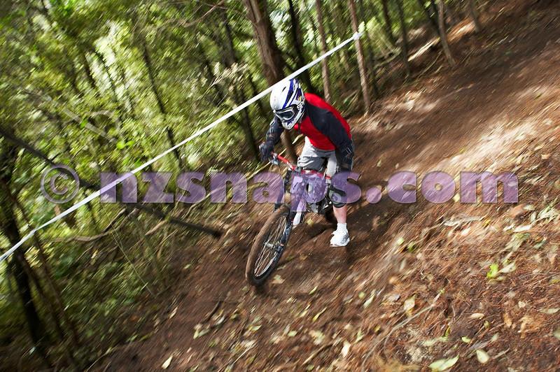 20101106_154845_NZSN3415