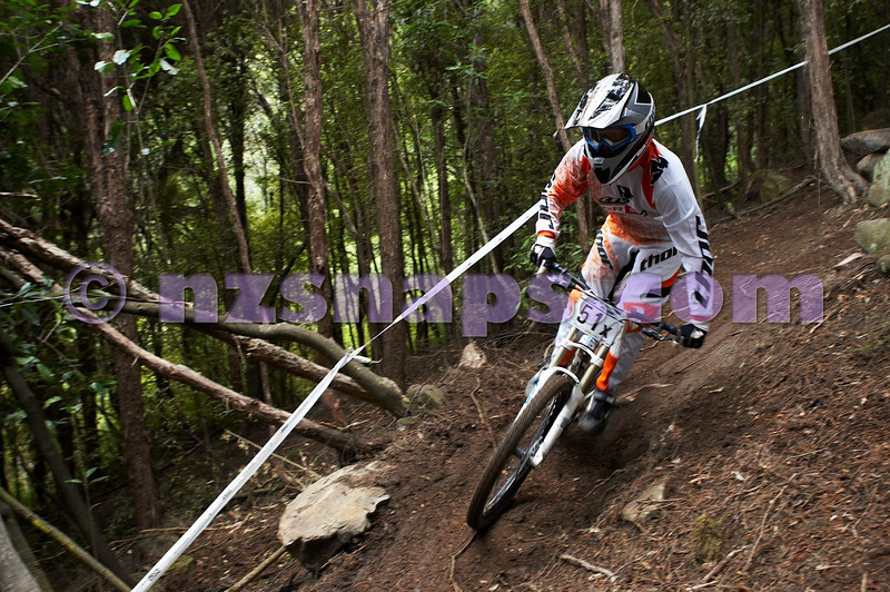 20101107_102720_NZSN3781
