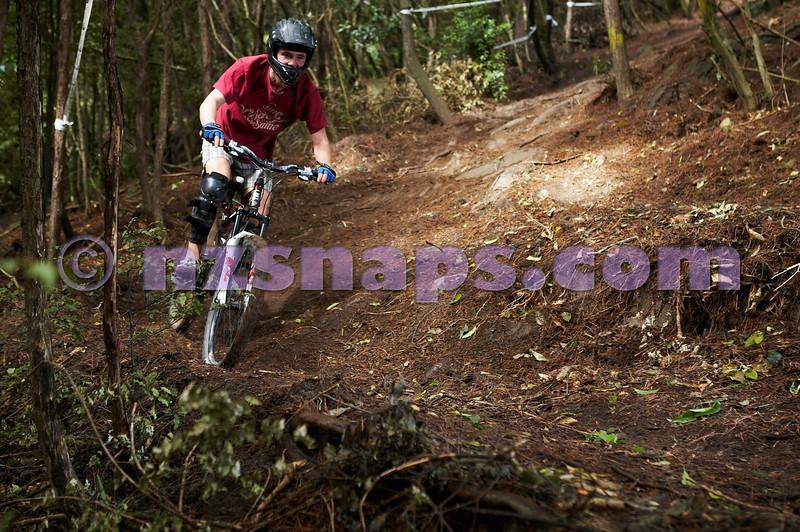 20101106_160535_NZSN3452