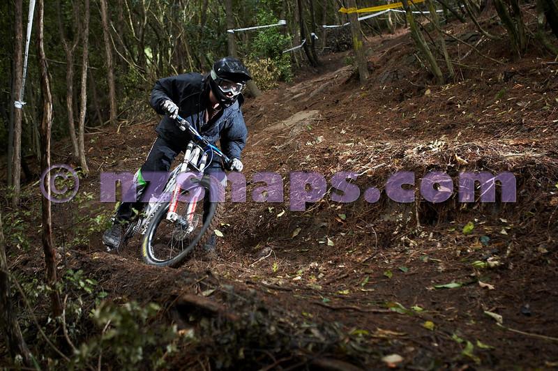 20101106_163701_NZSN3516