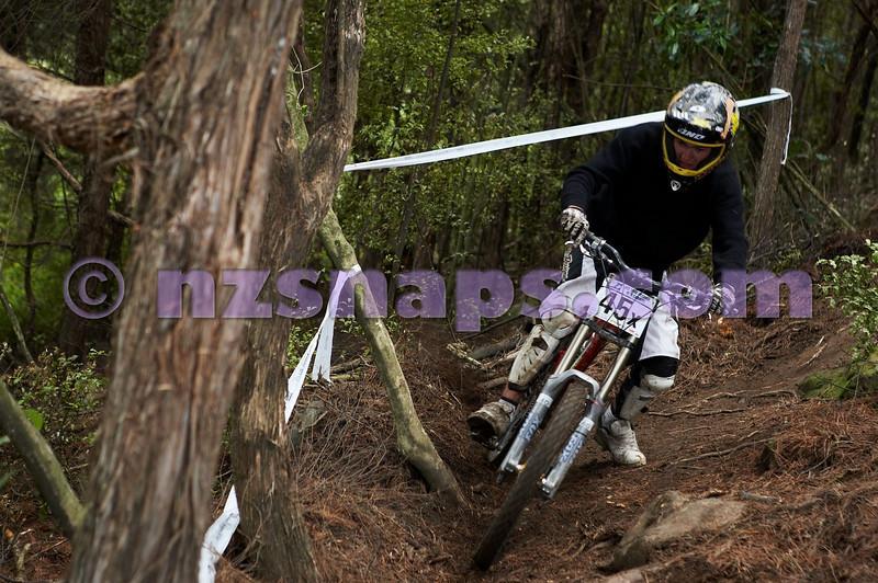 20101107_142103_NZSN3973