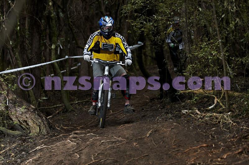 20101107_120326_NZSN3911