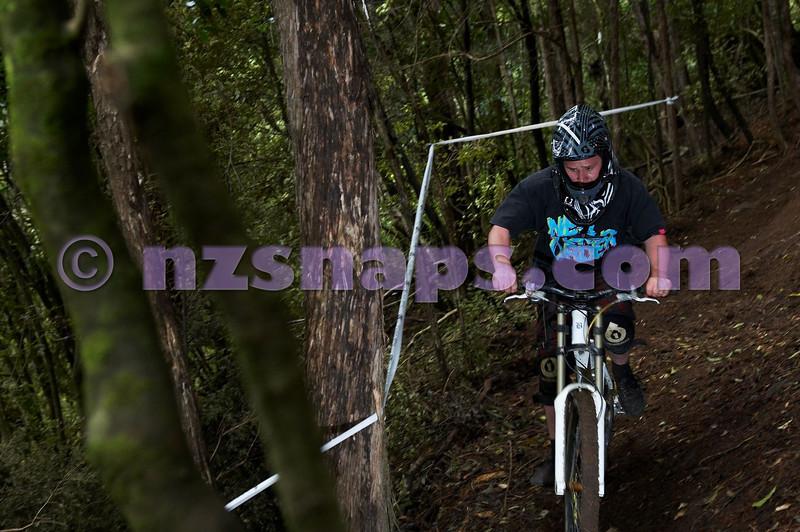 20101106_174542_NZSN3670