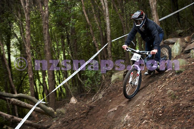 20101107_104535_NZSN3836