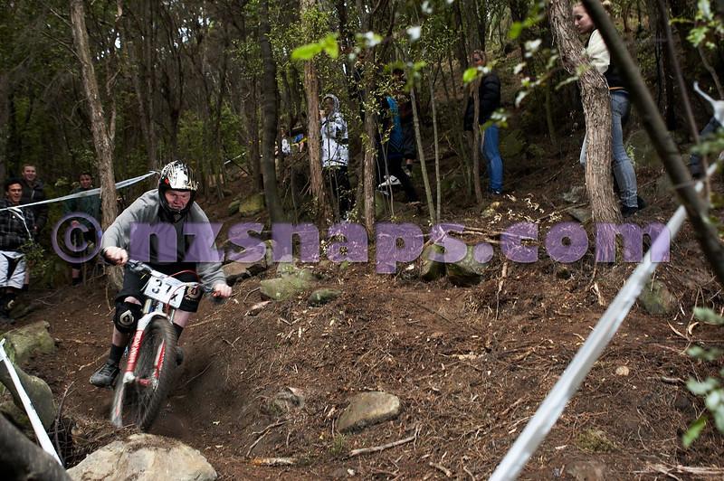20101107_150236_NZSN4077