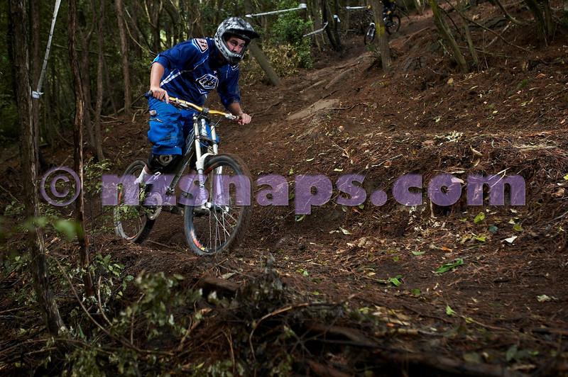 20101106_160207_NZSN3442