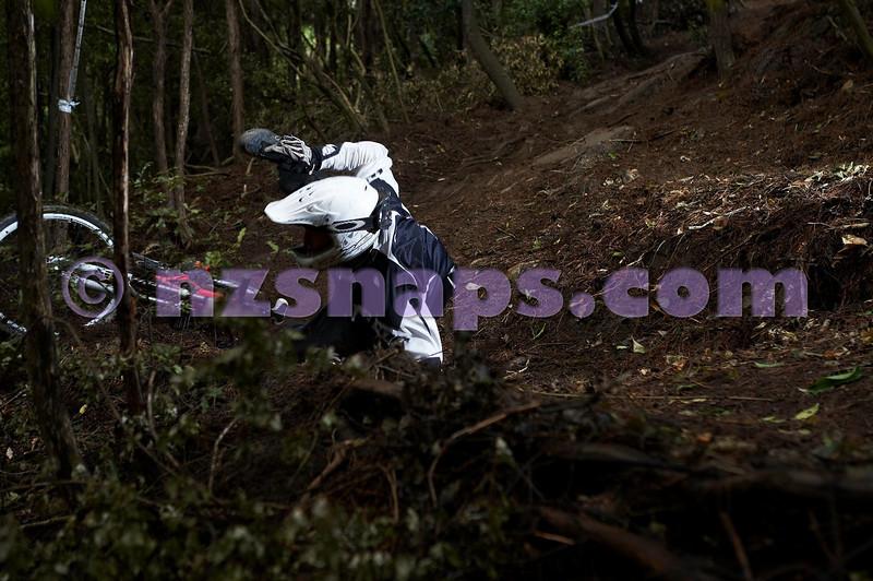20101106_162331_NZSN3479