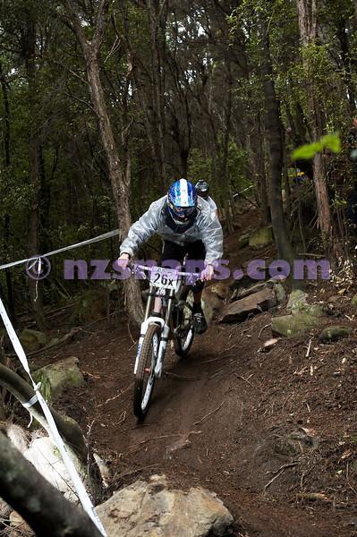 20101107_143050_NZSN3996