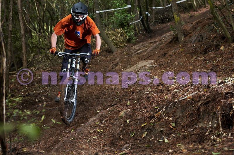 20101106_163022_NZSN3501