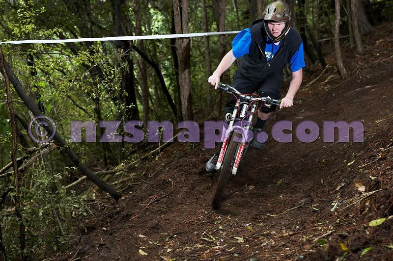 20101106_170142_NZSN3583