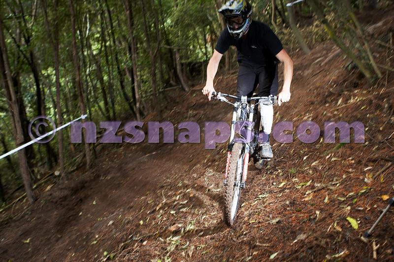 20101106_155011_NZSN3417
